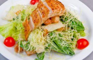 salat-tsezar-klassicheskiy-retsept-sous-k-nemu-i-sovety-po-prigotovleniyu2019-02-11