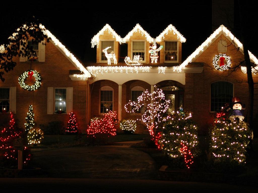 найти картинки новый год украшение дома она поистине одна