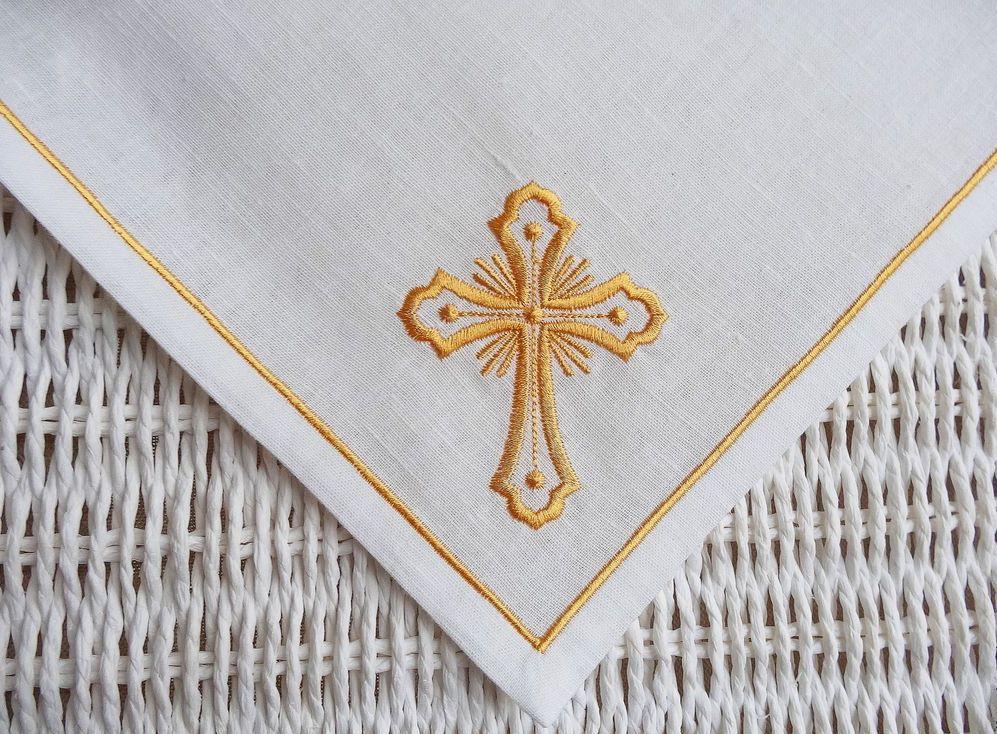 Пасхальная салфетка с крестом