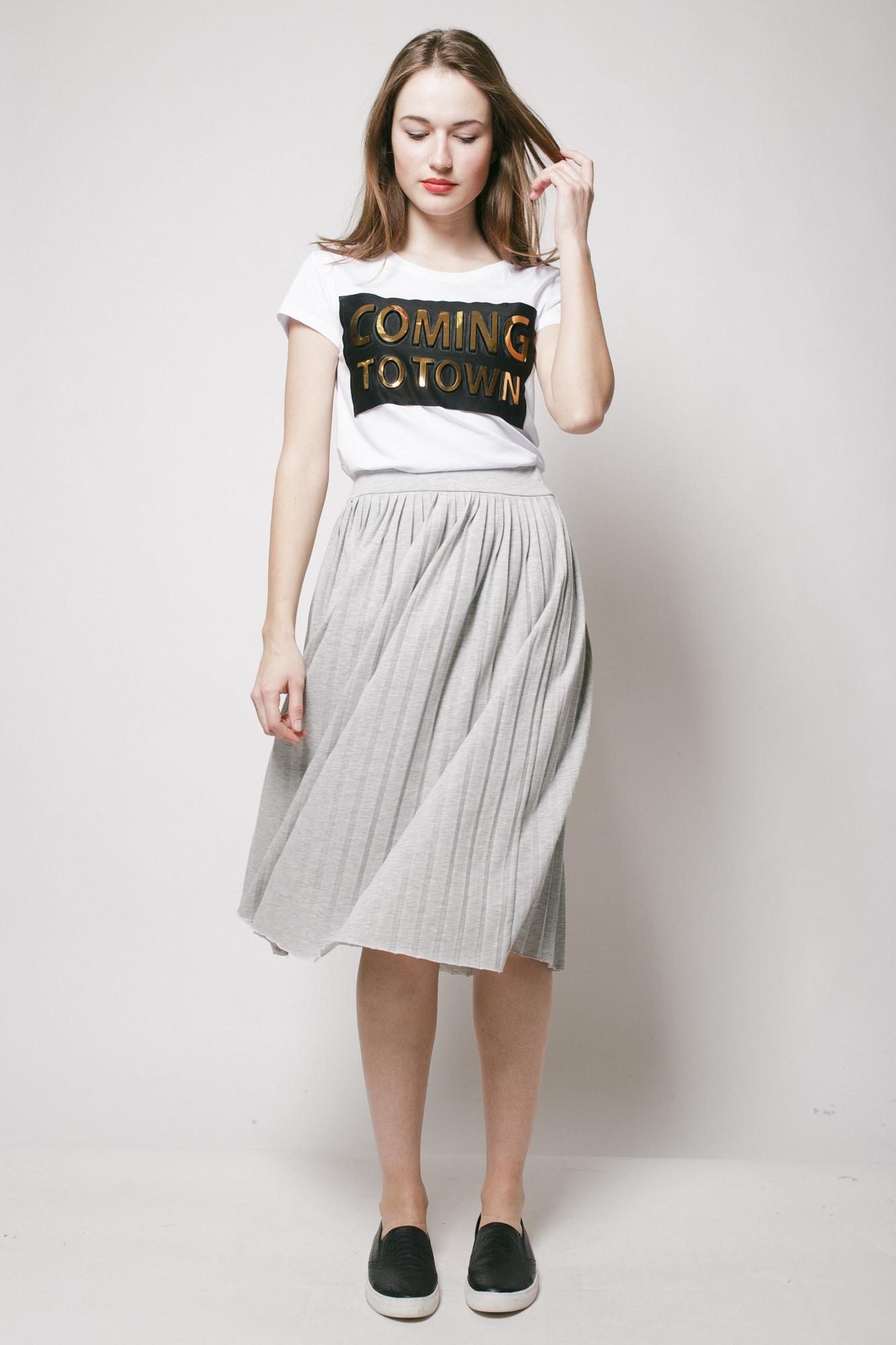Серая юбка-плиссе