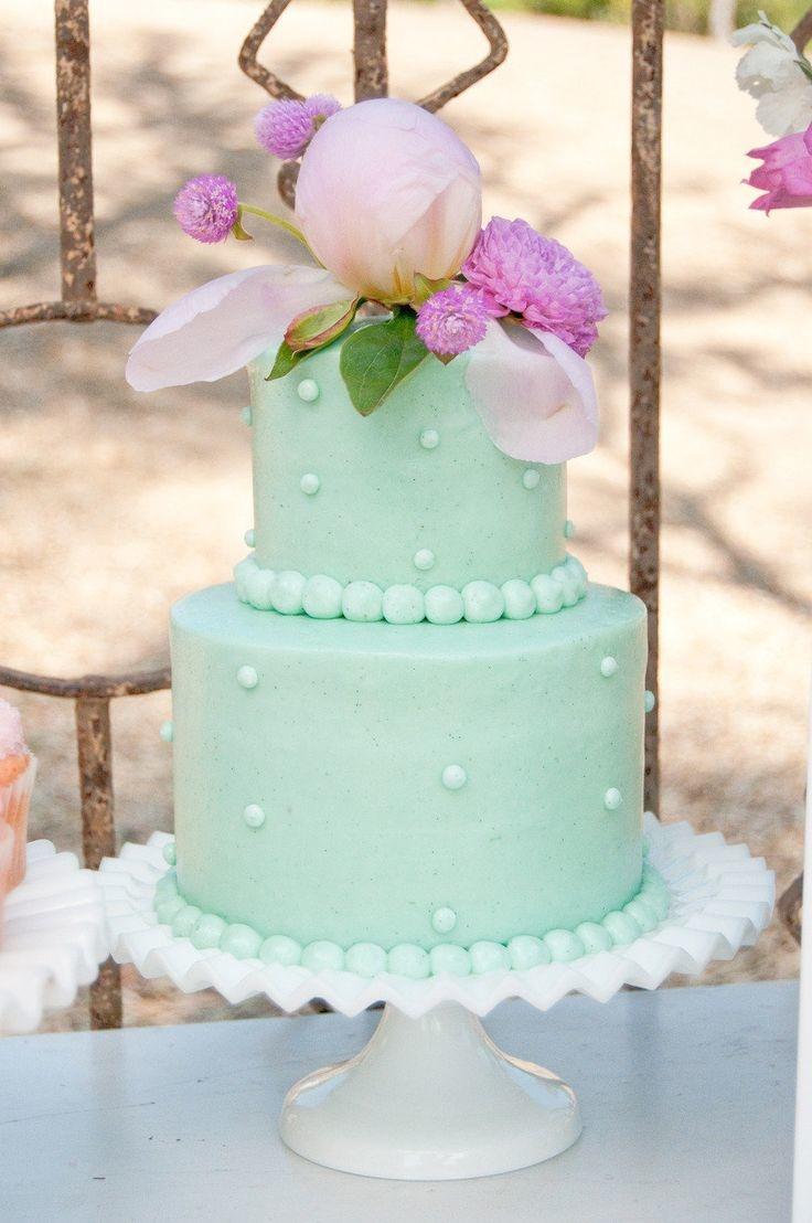 Свадебный торт мятного цвета
