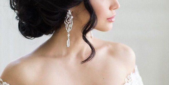 Собранные волосы с фатой