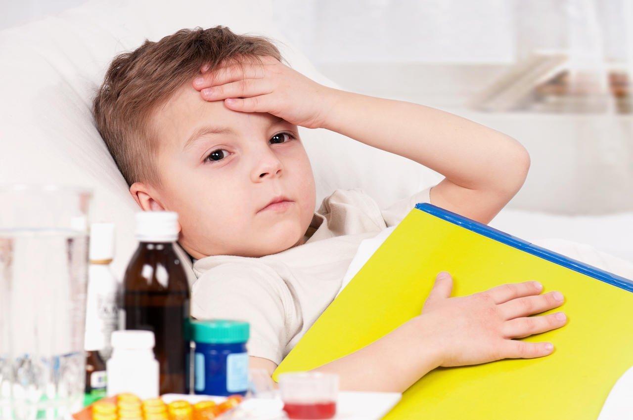 Причины боли в ухе у ребенка