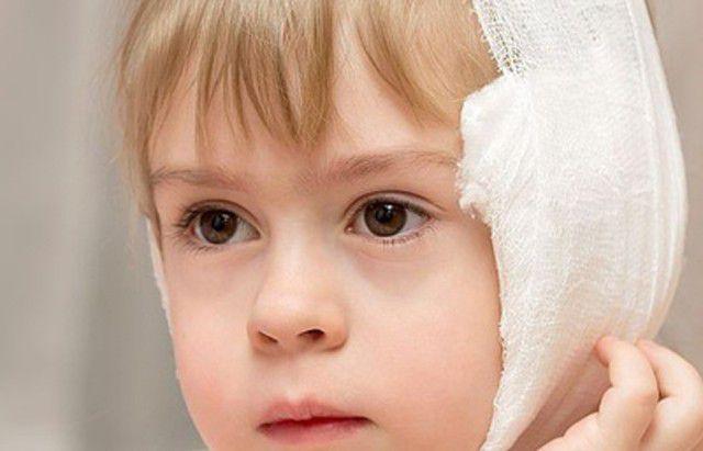 Первая помощь при боли в ухе