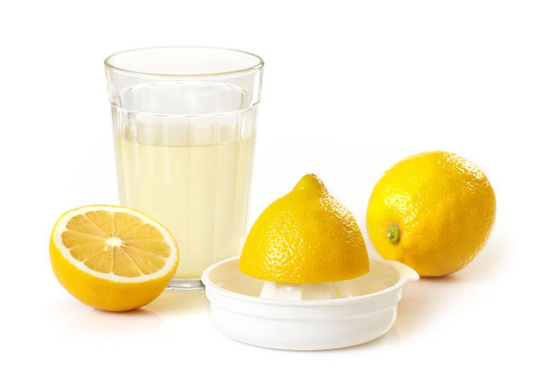 Приготовление лимонной воды
