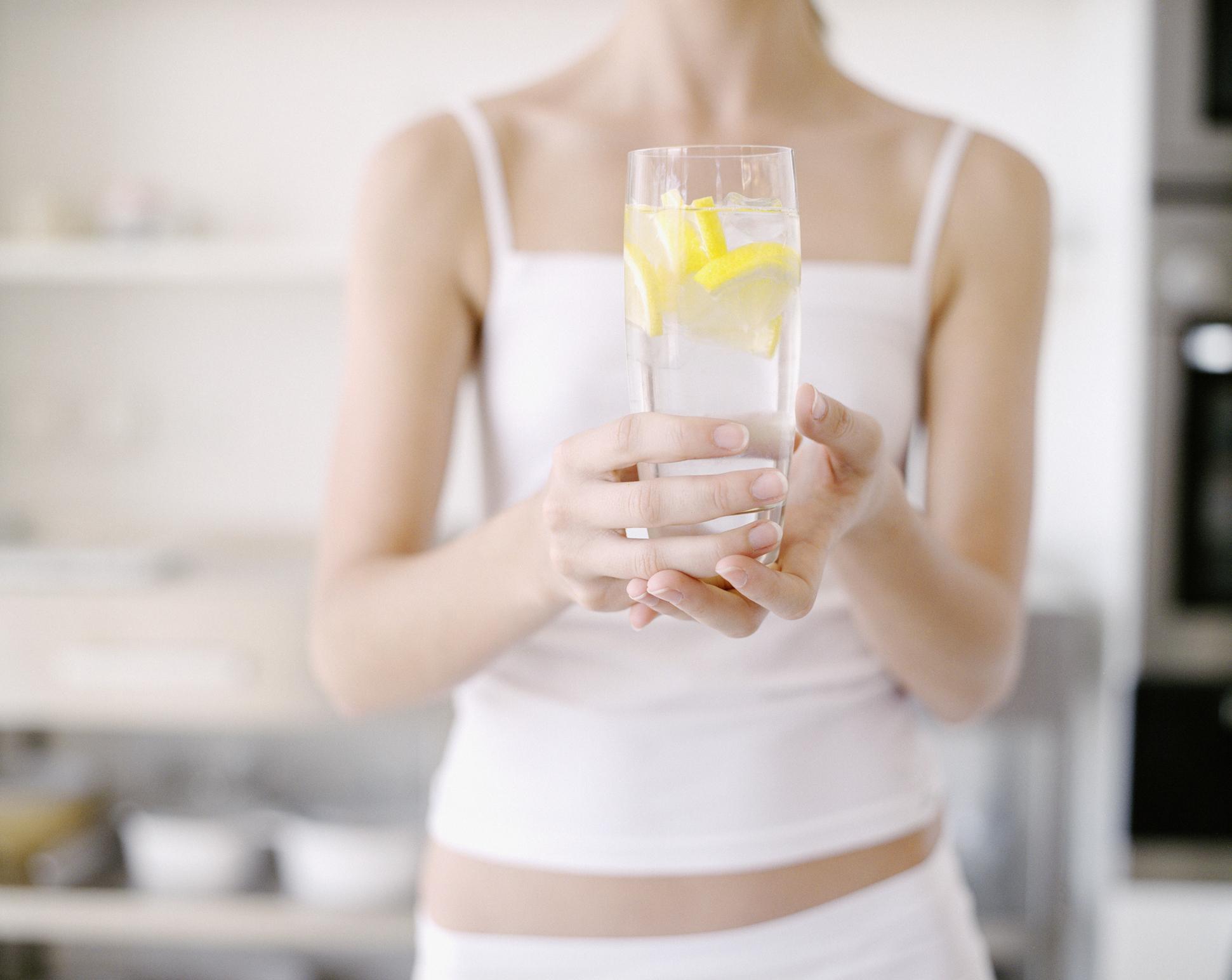 Лимоная вода натощак