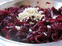 salat-iz-svekly-s-chesnokom2019-02-12
